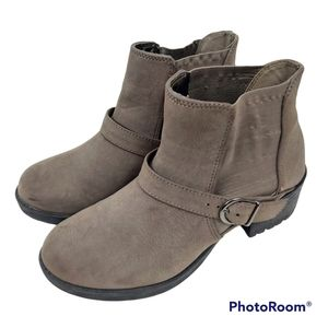 SODA Taupe Buckle Block Heel Chelsea Ankle Boots sz 8.5